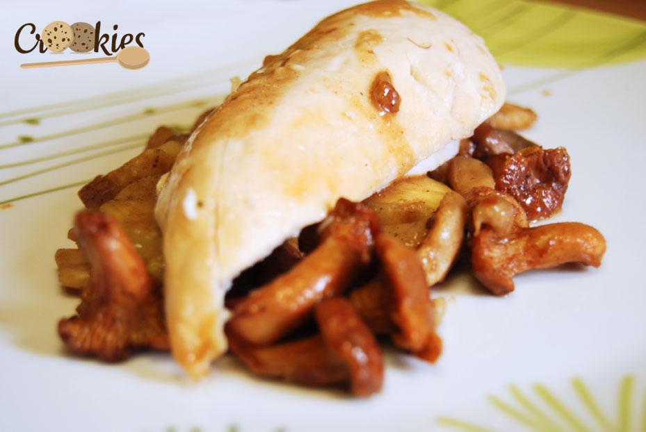 Suprême de poulet accompagnée de la poêlée de marrons et de champignons aux épices de noël Picard.