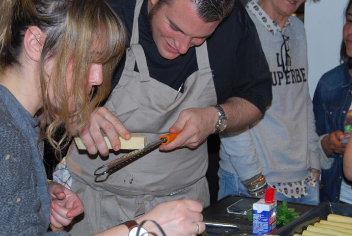 Norbert et ses drôles de blogueuses pendant l'atelier culinaire