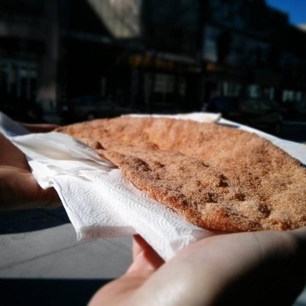 Une queue de Castor, dessert québécois - Photo © Crookies