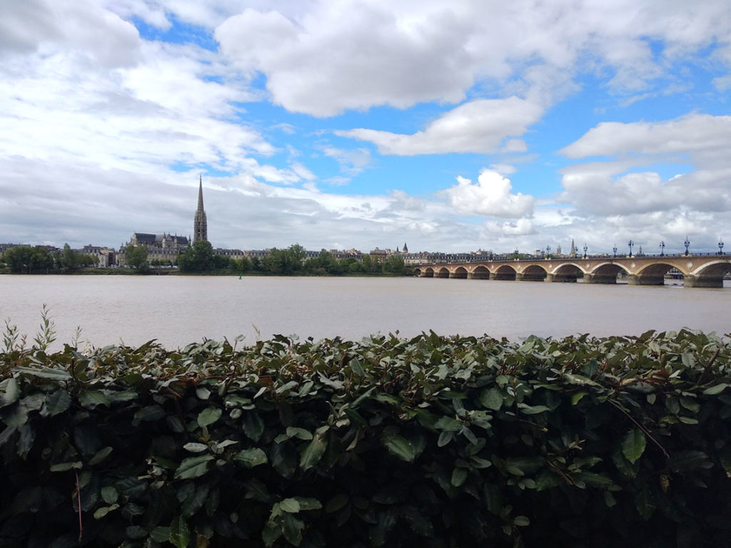Photo de la terrasse du café du Port à Bordeaux