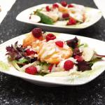 Une salade colorée à base de produits Picard qui mélange les saveurs de la langoustes, de la framboise, de la pomme verte et de la vanille.
