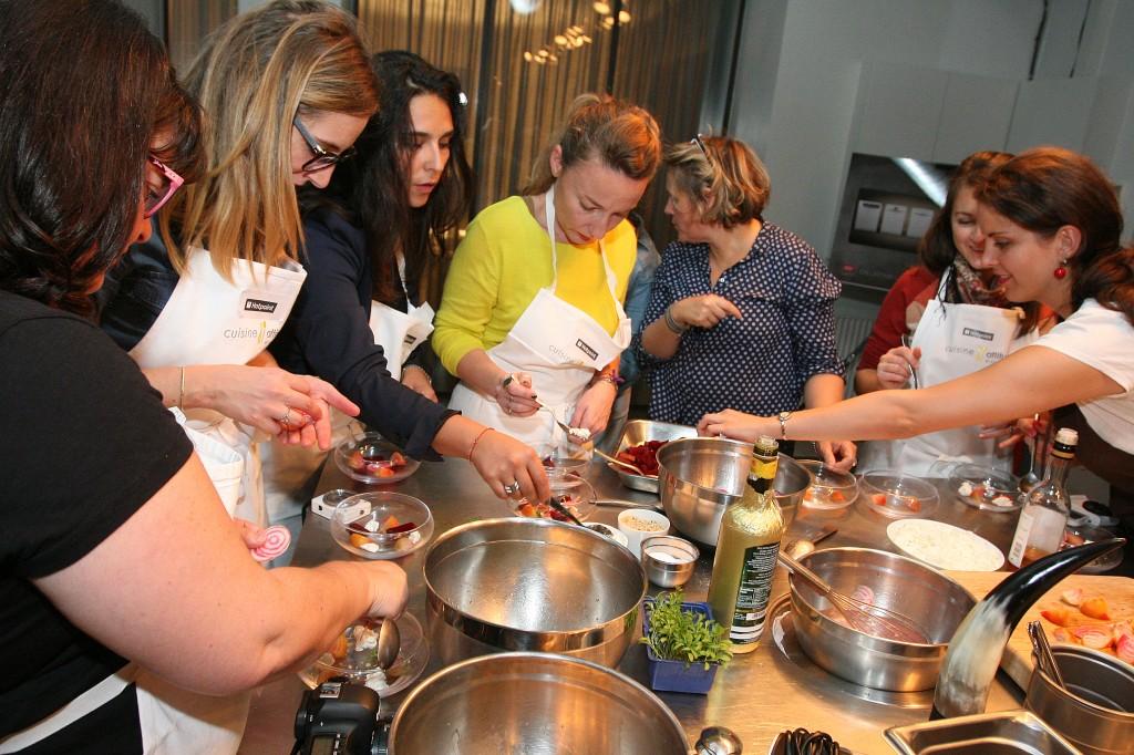 Les blogueuses en actions - atelier cuisine Hotpoint ©Michel Monsay