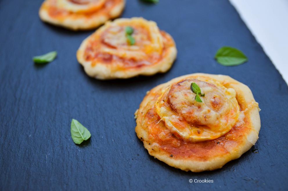 Pizzettes, mini-pizzas chorizo chèvre - © Crookies