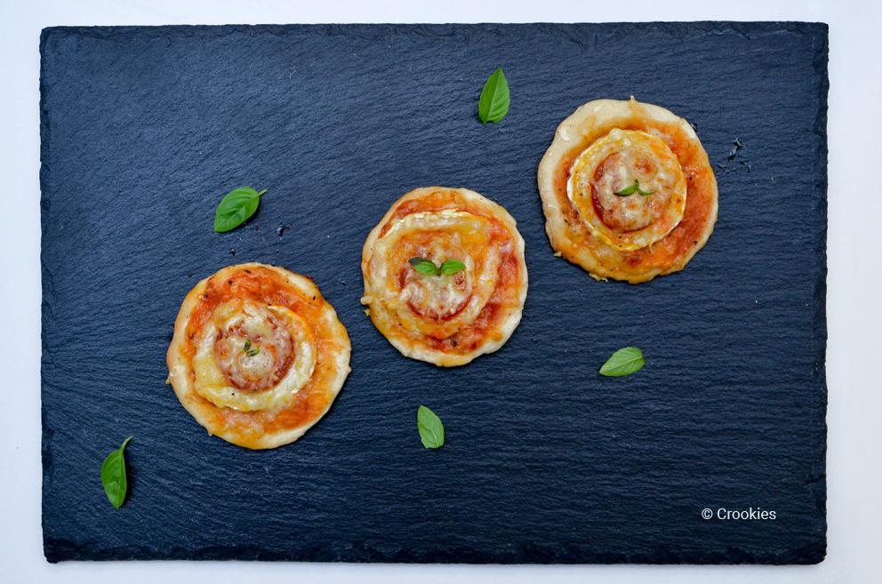 Alignement de pizzas chorizo chèvre - © Crookies