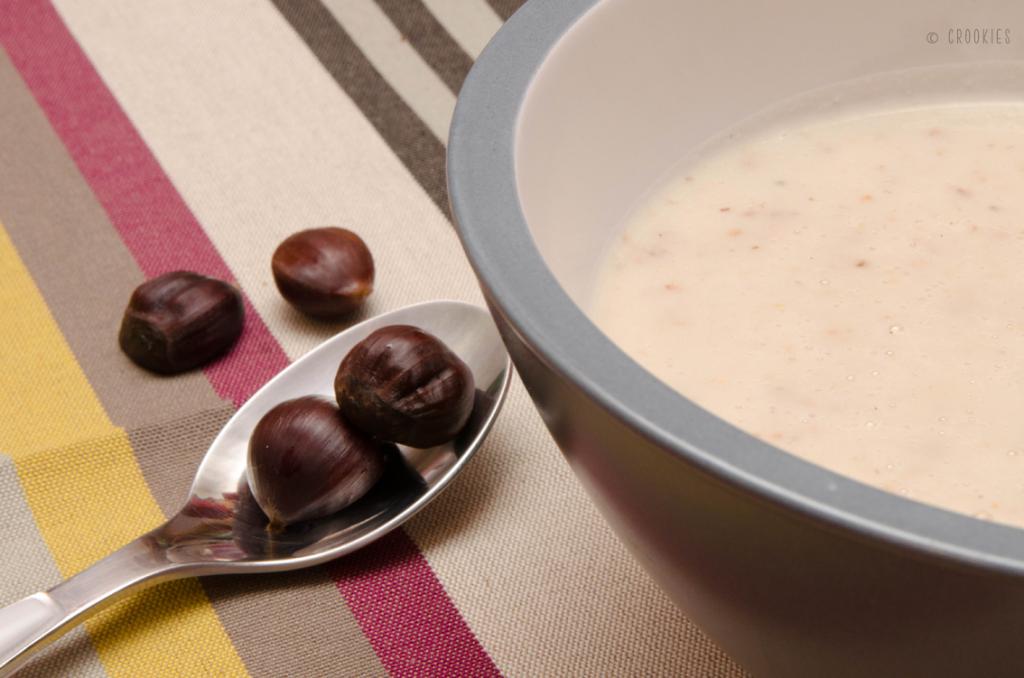 Soupe aux coprins chevelus et châtaignes - photo © Crookies