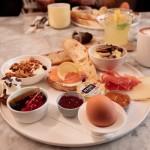 L'assiette du brunch Chez Mona (Photo © Sami Lini)