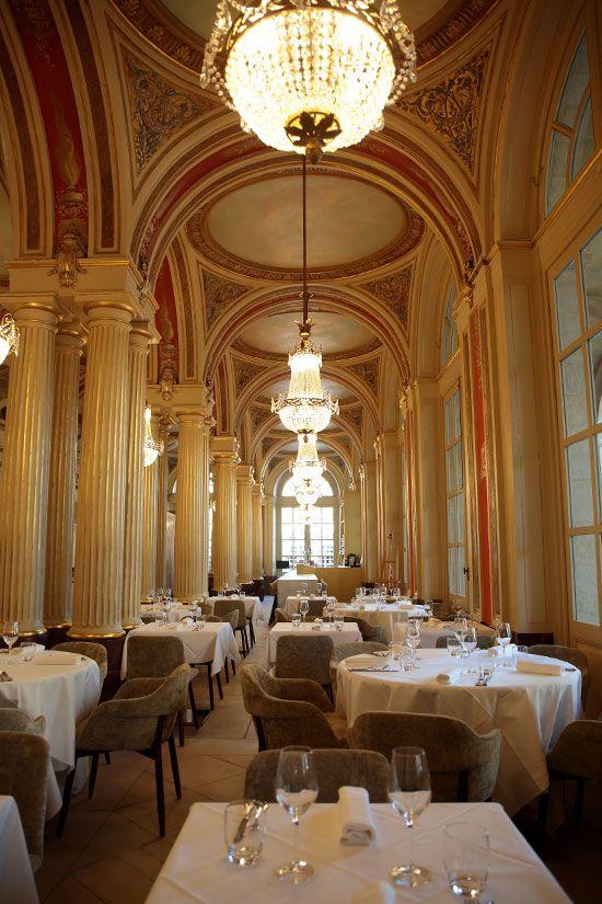 Salle du restaurant le Quatrième Mur tenu par Philippe Etchebest à Bordeaux